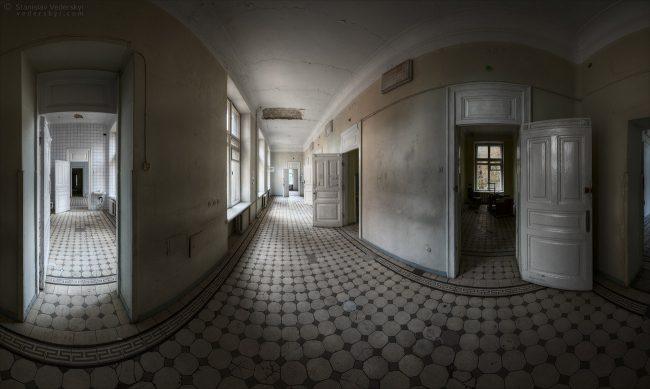 Multirow panorama of corridor in abandoned clinic. Kyiv, Ukraine. Многорядная панорама. Коридор в заброшенной больнице. Киев
