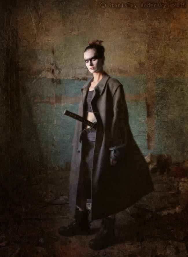 post-apocalyptic samurai Model Photo session at abandoned factory in Kyiv, Ukraine Пост-апокалипсис самурай Фотосессия модели на заброшенной фабрике в Киеве.