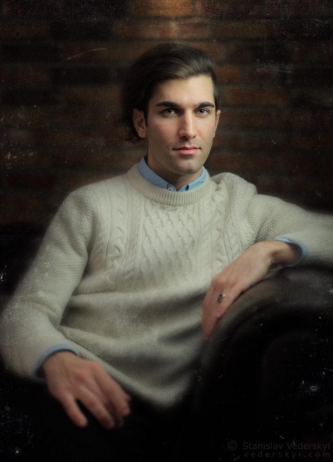 Mauro's portrait. artificial light. vintage style   Мауро портрет стиль старое фото 3
