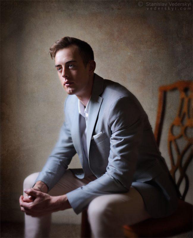 Мужская фотосессия в Киеве, портрет, свет из окна | Man photo shoot in Kiev, Ukraine. Window light