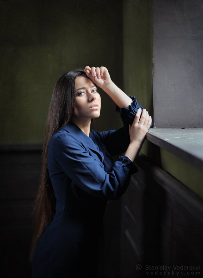 Фотосессия Актриса в старом доме Киев натуральный свет из окна | Photo session Actress old house Kiev natural window light